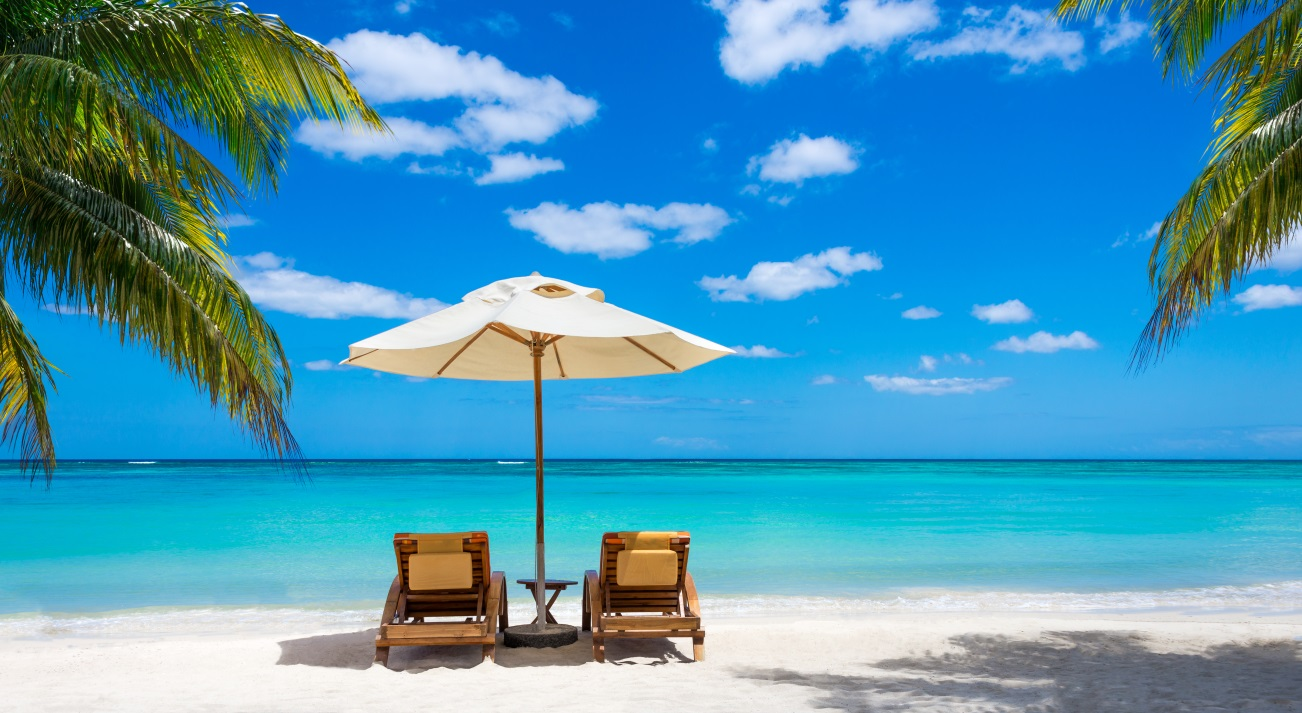 Beach holidays 1 How to set up a luxury holiday rental..... Cairns Finance Advisor